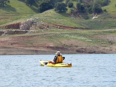 kayaking New Melones Lake